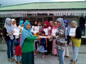 sewing-class-students-receiving-certificates-sept
